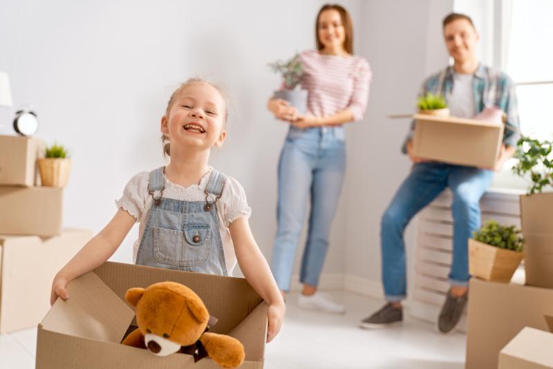 Cómo organizar una mudanza con niños